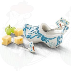 Delft Blue Cheese party pins